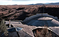 Paolo Soleri: ARCOSANTI. Foundry living quarters. Roofline. Photo '77.