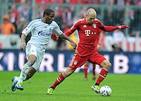 FUSSBALL   1. BUNDESLIGA  SAISON 2011/2012   23. Spieltag FC Bayern Muenchen - FC Schalke 04       26.02.2012 Jefferson Farfan (li, FC Schalke 04) gegen Arjen Robben (FC Bayern Muenchen)