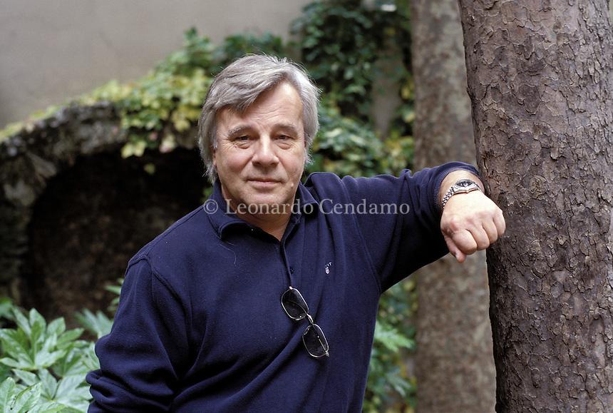 2002: JAN GUILLOU, WRITER  © Leonardo Cendamo