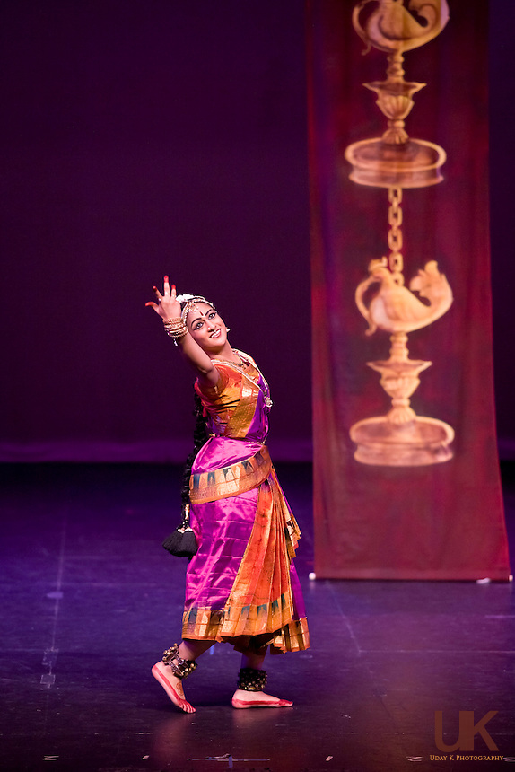 Anjali performing her arangetram at the irving arts center for Arangetram stage decoration ideas