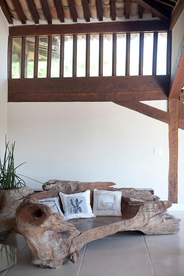 Sofa made out of a tree stump, at Insolito.