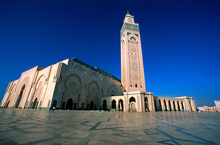 Grand mosquee d 39 hassan ii the second largest mosque in for Mosquee hassan 2 architecture