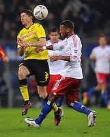 FUSSBALL   1. BUNDESLIGA   SAISON 2011/2012   18. SPIELTAG Hamburger SV - Borussia Dortmund     22.01.2012 Robert Lewandowski (li, Borussia Dortmund) gegen Dennis Aogo (re, Hamburg)