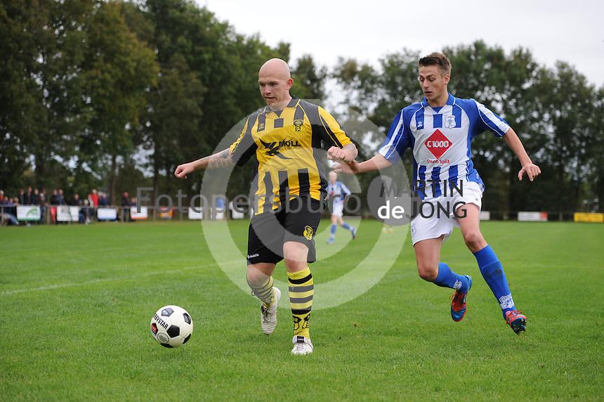 VOETBAL: LIPPENHUIZEN: 05-10-2014, SV THOR - VV Gorredijk, uitslag, 3-0, ©foto Martin de Jong