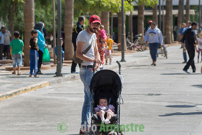14 septiembre 2015. Melilla. Espa&ntilde;a<br /> Refugiados sirios <br /> <br /> &copy; Save de Children Handout/PEDRO ARMESTRE - No ventas -No Archivos - Uso editorial solamente - Uso libre solamente para 14 d&iacute;as despu&eacute;s de liberaci&oacute;n. Foto proporcionada por SAVE DE CHILDREN, uso solamente para ilustrar noticias o comentarios sobre los hechos o eventos representados en esta imagen.<br /> Save de Children Handout/ PEDRO ARMESTRE - No sales - No Archives - Editorial Use Only - Free use only for 14 days after release. Photo provided by SAVE DE CHILDREN, distributed handout photo to be used only to illustrate news reporting or commentary on the facts or events depicted in this image.
