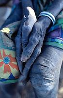 Sudan. South Sudan. Bahr El Ghazal.Yiikou. Christian Solidarity International (CSI) buys back dinka slaves from muslim arab traders. © 1999 Didier Ruef