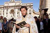 La Messa dei credenti bulgari finisce per strada