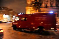 Roma 12 Dicembre 2008.Il fiume Tevere in piena per le piogge,l'intervento dei Vigili del Fuoco.Rome 8 December 2008.The river Tiber in flood  for the rains, the intervention of firefighters