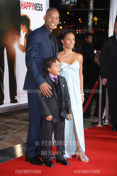 """WILL SMITH & wife JADA PINKETT SMITH & son JADEN CHRISTOPHER SYRE SMITH (8) at the world premiere of """"The Pursuit of Happyness"""" at the Mann Village Theatre, Westwood. Will Smith stars in the movie with his youngest son Jaden..December 7, 2006  Los Angeles, CA.Picture: Paul Smith / Featureflash"""