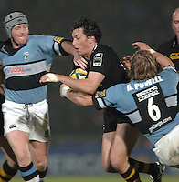2005/06 Powergen Cup, London Wasps vs Cardiff Blues, Tom Voyce, breaks through a gap in the Cardiff defensive line.    Causeway Stadium, Wycome, ENGLAND, 07.10.2005   © Peter Spurrier/Intersport Images - email images@intersport-images..   [Mandatory Credit, Peter Spurier/ Intersport Images].