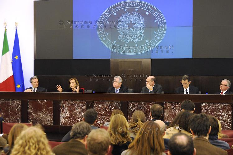 Roma, 4 Dicembre 2011.Il Governo Monti presenta alla stampa la manovra economica..