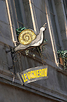 le vigneron sign beaune cote de beaune burgundy france