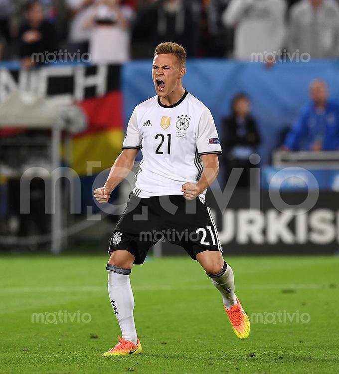 FUSSBALL EURO 2016 Viertelfinale in Bordeaux Deutschland - Italien      02.07.2016 JUBEL Joshua Kimmich (Deutschland)