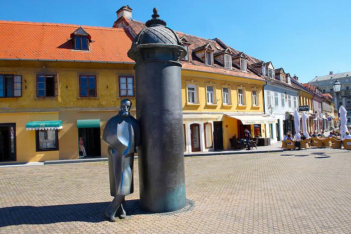 Staue of Croatian novelist, critic, editor, poet, and dramatist August ?enoa by sculptor Marija Ujevic. Vla?ka, Zagreb, Croatia