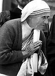 Mother Teresa, Agnese Gonxhe Bojaxhiu, Roman Catholic nun,. Missionaries of Charity, Kolkata, India, humanitarian, Nobel Peace Prize 1979, Bharat Ratna, Mother Teresa's Missionaries of Charity, beatified by Pope John Paul II, Blessed Teresa of Calcutta, Christianity in India, Missionaries, Sisters of Loreto, Sister, Shkoder Albania, Roman Catholic, Photojournalism, Photojournalist, collecting editing, presenting news photographs, Photojournalism provides visual support for stories, mainly in the print media,  Commercial photography's main focus is to sell a product or service. Fine Art photography are photographs that are created to fulfill the creative vision of the photographer, Photojournalism provides visual support for stories, mainly in the print media,  Commercial photography's main focus is to sell a product or service. Fine Art photography are photographs that are created to fulfill the creative vision of the photographer, photojournalism, Fine Art Photography by Ron Bennett, Fine Art, Fine Art photography, Art Photography, Copyright RonBennettPhotography.com ©