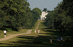 White Lodge tourists Richmond Park. Richmond Upon Thames Surrey Richmond Upon Thames, Surrey, England 2007