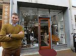Foto: VidiPhoto<br /> <br /> KAMPEN - Winkeliers in de Geerstraat in Kampen hebben nog steeds last van de crisis. Foto: Edward Kamphuis van Casa Moderna.