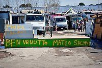 The welcome signs for Matteo Salvini prepared by Roma.<br /> The secretary of the Northern League, Matteo Salvini visited the roma camp  of Via Salviati to Tor Sapienza neighborhood on the outskirts of Rome.  The Roma camp in via Salviati and inhabited by about 450 people from the former Yugoslavia. Rome, Italy. 24th Febraury 2016.