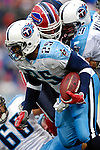 24 December 2006: Tennessee Titans running back LenDale White (25) in action against the Buffalo Bills at Ralph Wilson Stadium in Orchard Park, New York. The Titans edged out the Bills 30-29.&amp;#xA; &amp;#xA;Mandatory Photo Credit: Ed Wolfstein Photo<br />