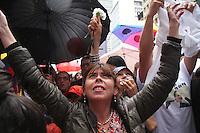 BOGOTA -COLOMBIA-23-JUNIO-2016 Ciudadanas y ciudadanos celebraron en el centro de la capital   el acuerdo del cese unilateral del fuego entre el gobierno colombiano y las Fuerzas Armadas Revolucionarias de Colombia ,  que por más de 50 años estuvieron en guerra  ./ Citizens held in the center of the capital agreement unilateral ceasefire between the Colombian government and the Revolutionary Armed Forces of Colombia who for more than 50 years were at war . Photo: VizzorImage / Felipe Caicedo  / Staff