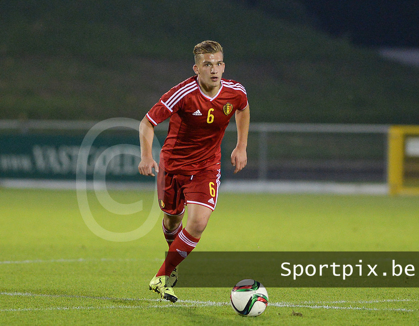 20151012 - DEINZE , BELGIUM  : Belgian Martin Remacle pictured during the soccer match between Under 19 teams Sweden and Belgium , on the third and last matchday in group 13 of the UEFA Qualifying Round Under 19 in Deinze , Belgium . Monday  12 th October  2015 . PHOTO DAVID CATRY