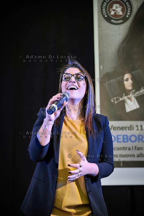 Pescara 11/03/2016, Debora Iurato, 3a classificata festival di San remo 2016 e concorrente di Amici, incontra i suoi fan in città. Foto di Di Loreto - Fortunato/BuenaVista*photo
