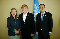 American actor Robert Redford (C ) poses for a picture next to U.N. Secretary-General Ban Ki-moon (R ) and Yoo Soon-taek before his address on climate change at U.N. headquarters in New York.  06/29/2015. Eduardo MunozAlvarez/VIEWpress