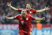 FUSSBALL   CHAMPIONS LEAGUE  HALBFFINAL HINSPIEL   2011/2012      FC Bayern Muenchen - Real Madrid          17.04.2012 Jubel nach dem Tor zum 1:0, Franck Ribery hinten Bastian Schweinsteiger (FC Bayern Muenchen)