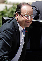Il Presidente francese Francois Hollande arriva al Vertice Quadrilaterale fra Italia, Spagna, Francia e Germania, a Villa Madama, Roma, 22 giugno 2012..French President Francois Hollande arrives for the Quadrilateral Summit among Italy, Spain, France and Germany, at Villa Madama, Rome, 22 june 2012..UPDATE IMAGES PRESS/Riccardo De Luca