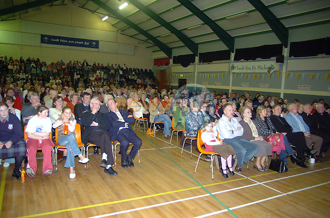 20th October, 2006. Presentation night to Ardee priest Father Matthews. A large crowd in attendance at the above.&amp;#xA;Photo: BARRY CRONIN/Newsfile.&amp;#xA;(Photo credit should read BARRY CRONIN/NEWSFILE)&amp;#xA;<br />