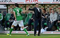FUSSBALL   1. BUNDESLIGA   SAISON 2013/2014   7. SPIELTAG SV Werder Bremen - 1. FC Nuernberg                    29.09.2013 Santiago Garcia (li) und Trainer Robin Dutt (re, beide SV Werder Bremen) freuen sich nach dem 1:0