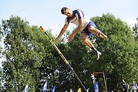 FIERLJEPPEN: GRIJPSKERK: 27-08-2016, Nederlands Kampioenschap Fierljeppen/Polsstokverspringen, Bart Helmholt wint met 20.41 meter (heren), ©foto Martin de Jong