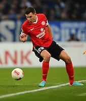FUSSBALL   DFB POKAL    SAISON 2012/2013    ACHTELFINALE FC Schalke 04 - FSV Mainz 05                          18.12.2012 Adam Szalai (FSV Mainz 05) Einzelaktion am Ball