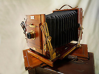 Sanderson double movement Half Plate wooden View Camera with film slides
