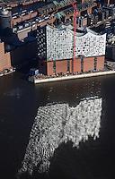 Elbphilharmonie: EUROPA, DEUTSCHLAND, HAMBURG, (EUROPE, GERMANY), 17.01.2015: Elbphilharmonie in Hamburg mit Spiegelung der Fenster in der Elbe