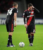FUSSBALL   CHAMPIONS LEAGUE   SAISON 2011/2012  Bayer 04 Leverkusen - FC Valencia           19.10.2011 Michal KALDEC (li) und Gonzalo CASTRO (re, beide Bayer 04 Leverkusen)