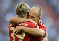 FUSSBALL   1. BUNDESLIGA  SAISON 2012/2013   4. Spieltag FC Schalke 04 - FC Bayern Muenchen      22.09.2012 Jubel nach dem Tor Toni Kroos und Arjen Robben (v. li., FC Bayern Muenchen)