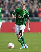 FUSSBALL   1. BUNDESLIGA   SAISON 2012/2013    28. SPIELTAG SV Werder Bremen - FC Schalke 04                          06.04.2013 Kevin De Bruyne (SV Werder Bremen) Einzelaktion am Ball