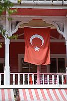 Europe/Turquie/Istanbul :  Détail d'un restaurant dans une maison ancienne en bois prés de l'église Saint-Sauveur  (Kaariye)
