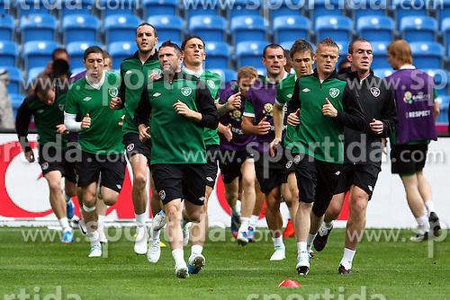 09.06.2012, Stadion Miejski, Poznan, POL, UEFA EURO 2012, Irland, Training, im Bild NA PIERWSZYM PLANIE ROBBIE KEANE, DAMIEN DUFF // during the during EURO 2012 Trainingssession of Ireland Nationalteam, at the stadium Miejski, Poznan, Poland on 2012/06/09. EXPA Pictures © 2012, PhotoCredit: EXPA/ Newspix/ Jakub Piasecki..***** ATTENTION - for AUT, SLO, CRO, SRB, SUI and SWE only *****