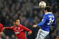 FUSSBALL   EUROPA LEAGUE   SAISON 2011/2012  ACHTELFINALE FC Schalke 04 - Twente Enschede                         15.03.2012 Roberto Rosales (li, Enschede) gegen Julian Draxler (re, FC Schalke 04)