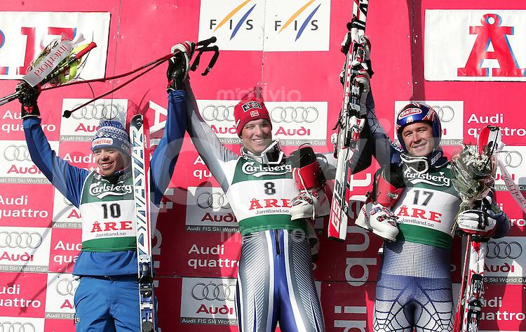 Ski Alpin Saison 2005/2006 Abfahrt Herren Siegerehrung, Sieger Aksel Lund SVINDAL (NOR,mitte) Bode Miller (USA,re) belegt Platz 2 und Peter Fill (ITA,li) Platz 3?