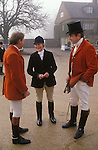 Lorna Schuster with hunting friends Meet at her family home in Oxfordshjre before 'the off' Fox hunting meet. Heythrop Hunt, Oxfordshire. England..
