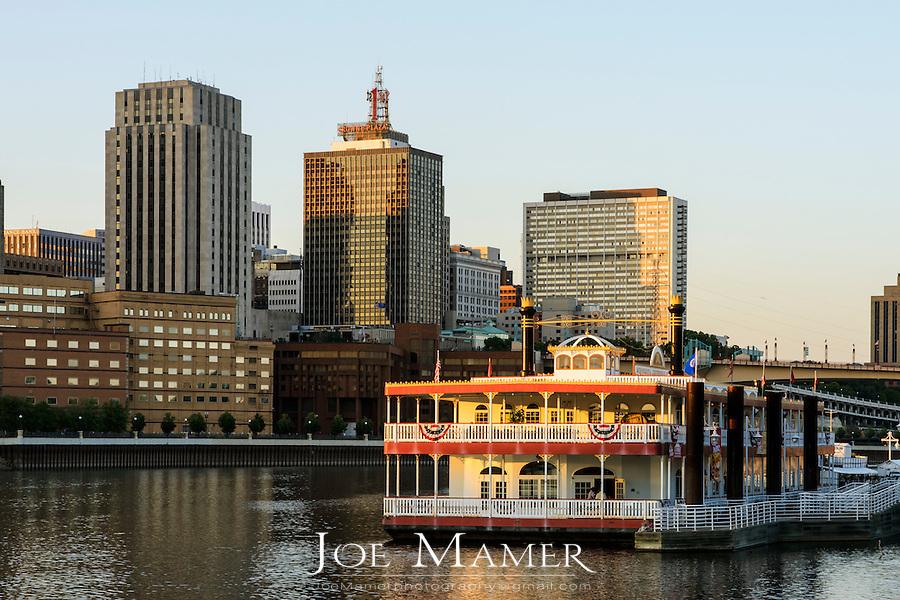 Saint Paul, Minnesota skyline with river boat
