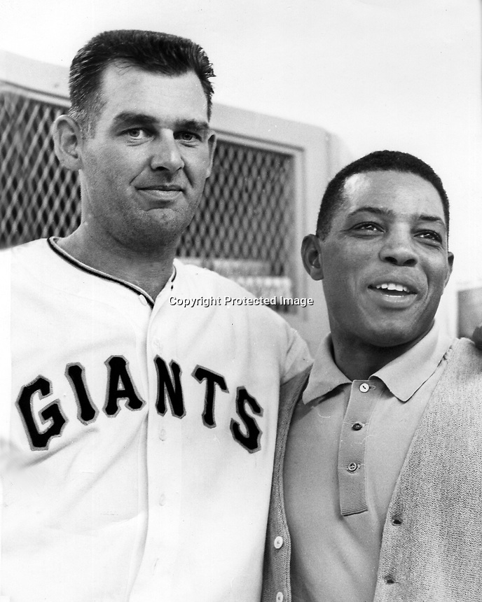 San Francisco Giants Don Larson and Willie Mays, 1962 photo/Ron Riesterer