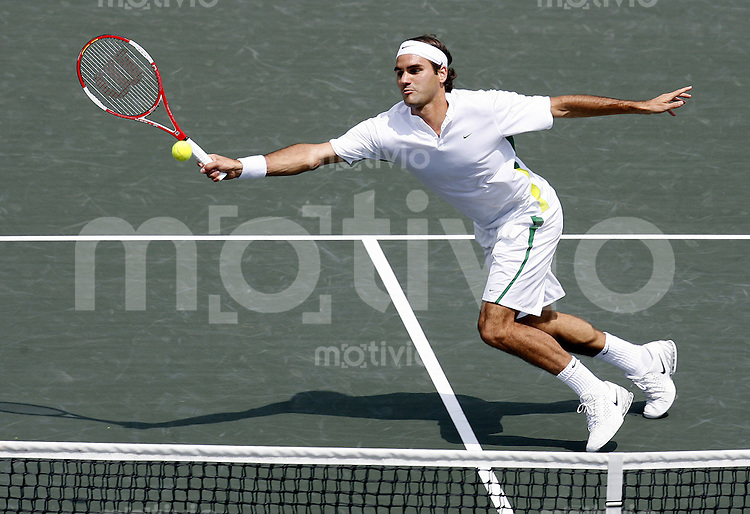 Tennis ATP Masters Series Key Biscayne 2006 Finale Herren Roger Federer (SUI) beim Netzangriff