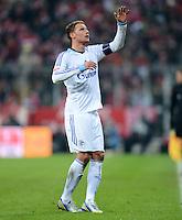 FUSSBALL   1. BUNDESLIGA  SAISON 2012/2013   21. Spieltag  FC Bayern Muenchen - FC Schalke 04                     09.02.2013 Benedikt Hoewedes (FC Schalke 04) enttaeuscht