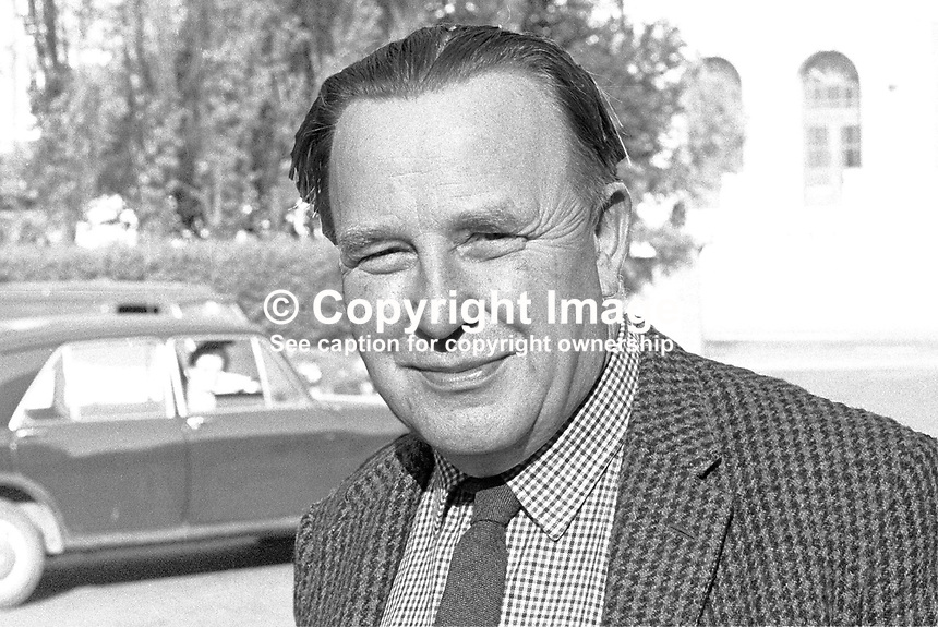 Rev Albert McElroy, president, Ulster Liberal Association, N Ireland, UK. 197006000226.<br /> <br /> Copyright Image from Victor Patterson,<br /> 54 Dorchester Park, Belfast, UK, BT9 6RJ<br /> <br /> t1: +44 28 90661296<br /> t2: +44 28 90022446<br /> m: +44 7802 353836<br /> <br /> e1: victorpatterson@me.com<br /> e2: victorpatterson@gmail.com<br /> <br /> For my Terms and Conditions of Use go to<br /> www.victorpatterson.com