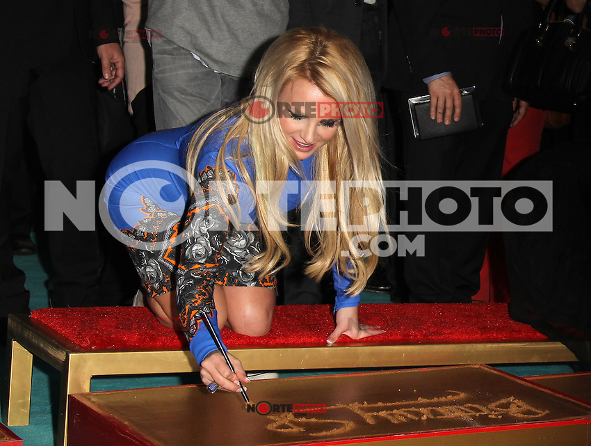 HOLLYWOOD, CA - SEPTEMBER 11: Britney Spears at 'The X Factor' Season 2 Premiere Party at Grauman's Chinese Theatre on September 11, 2012 in Hollywood, California. &copy;&nbsp;mpi20/MediaPunch Inc /NortePhoto.com<br /> <br /> **CREDITO*OBLIGATORIO** *No*Venta*A*Terceros*<br /> *No*Sale*So*third*...