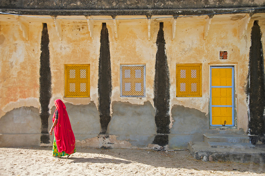 Rajasthan near Jaipur. Sambar west of Jaipur, next to one of the largest Saltlakes in India a Hindu Temple next to the lake.